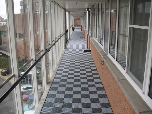 Vloer Voor Balkon : Balkontegels terrastegels en galerijvloeren bofloor bv